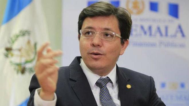 Julio H�ctor Estrada, ministro de Finanzas  de Guatamala.