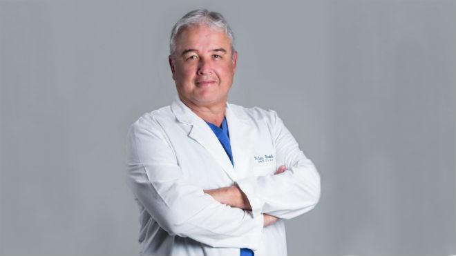 Luis P�ndola, jefe del servicio de mastolog�a de SOLCA.