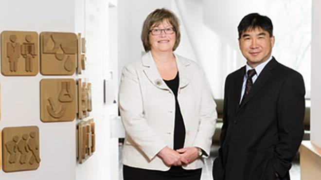 Luanne Metz y V. Wee Yong, autores del estudio
