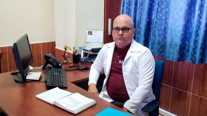 Luis Rodr�guez, director de la Escuela de Enfermer�a de PUCE sede Santo Domingo.