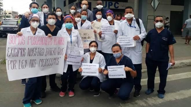 M�dicos posgradistas demandan aplicaci�n inmediata de la Ley Humanitaria.