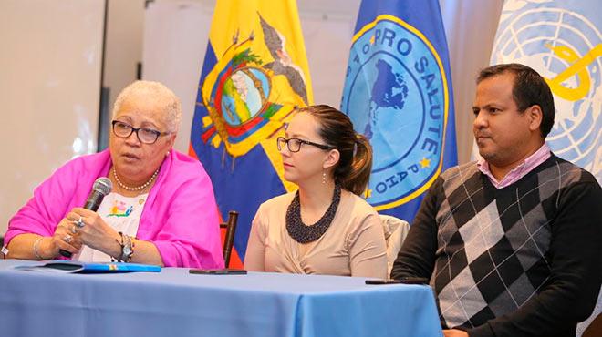 Gina Watson, representante de OPS Ecuador, Ver�nica Espinosa, ministra de Salud e Itamar Rodr�guez, viceministro de Salud.