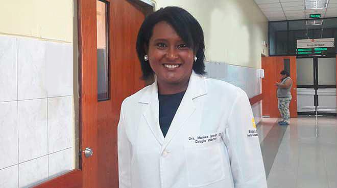 Maresa Mor�n Qui��nez, especialista en Cirug�a Pl�stica.