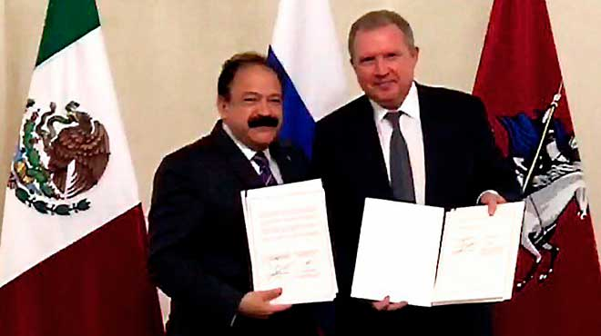 Armando Ahued Ortega (M�xico) y Alexey I. Khripun (Rusia)