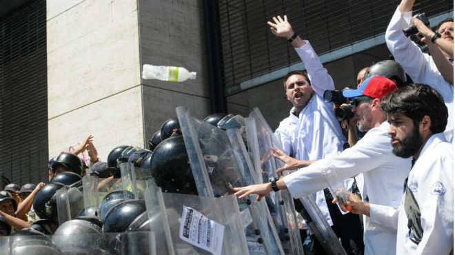 Protestas de m�dicos y enfermeras en Venezuela