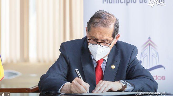 Jorge Bail�n, alcalde de Loja.