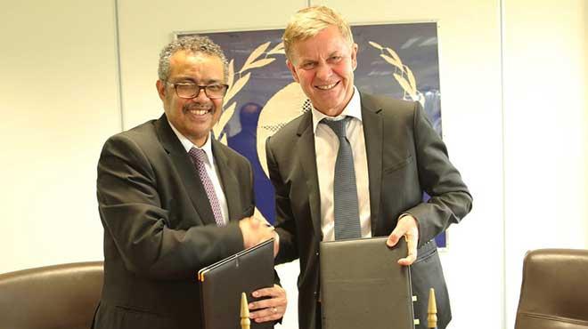 Tedros Adhanom Ghebreyesus, director general de OMS, y Erik Solheim, jefe de ONU Medio Ambiente.