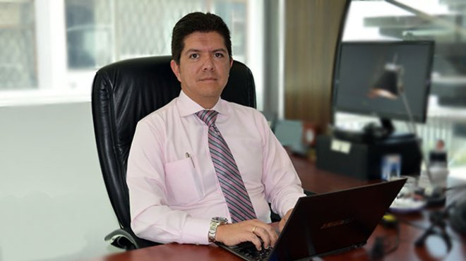 Oswaldo Almeida, director general de Editorial Oc�ano del Ecuador.