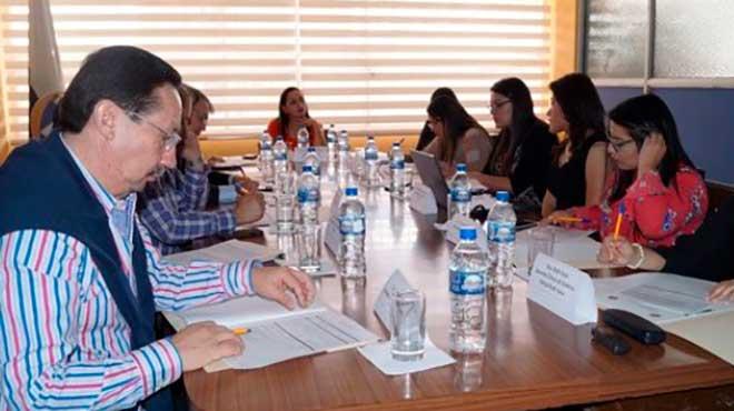 Representantes del MSP, IESS, gerentes de Cl�nicas Odontol�gicas y autoridades de la Facultad de Odontolog�a.