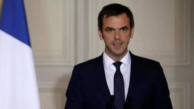Olivier V�ran, ministro de Salud de Francia.