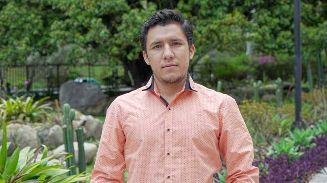 Oscar Robles Ben�tez es oriundo de Alamor, cabecera cantonal del cant�n Puyango, en la provincia de Loja.