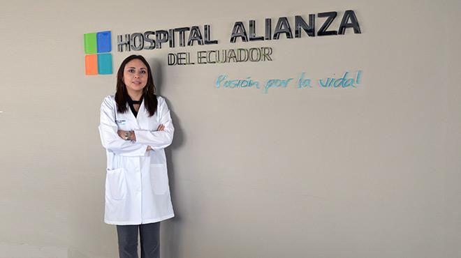 Paulina Proa�o Silva, directora t�cnica del Hospital de Especialidades Alianza del Ecuador.