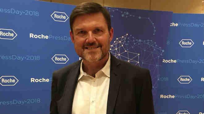 Rolf Hoenger, presidente de Roche