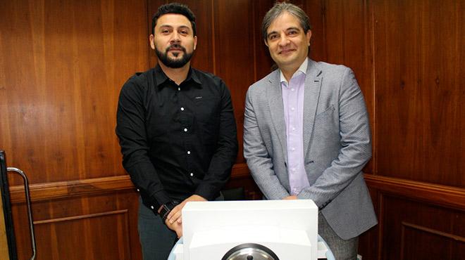 Ignacio V�liz y Apolo Salgado, del Centro de Braquiterapia de Alta Tasa en Chile.