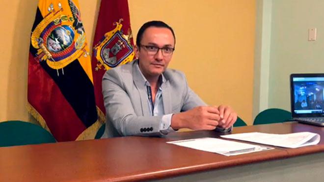 Santiago Z��iga, presidente de la Sociedad Ecuatoriana de M�dicos Posgradistas.