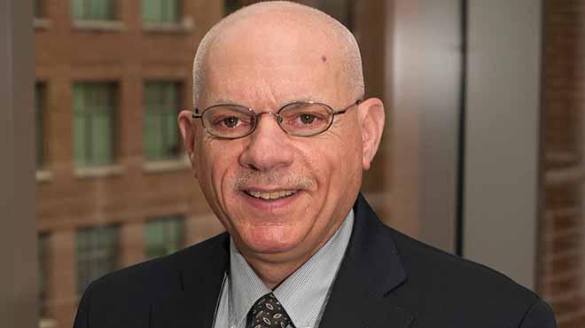 Stephen Ostroff, comisionado interino de la FDA