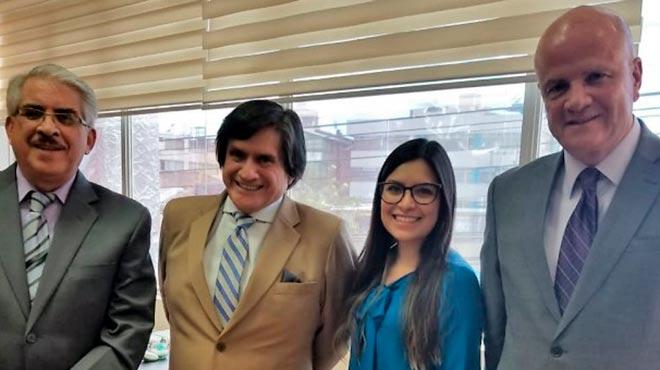 Roberto Ramos, director acad�mico de Telesalud de la UDLA, Juan P�ez, gerente del HCAM, Paola Garc�s, coordinadora de Gesti�n de la Facultad de Salud de la UDLA, y Alfredo Borrero, decano de la Facultad de Salud de la UDLA.