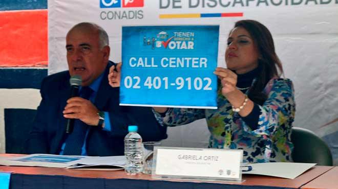 Xavier Torres, presidente del Conadis, y Gabriela Ortiz, consejera suplente del Consejo Nacional Electoral.