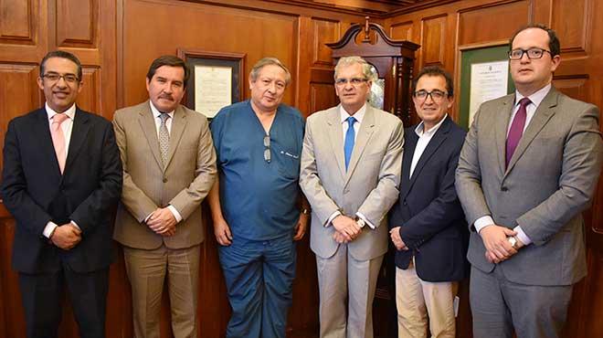 Autoridades acad�micas de la UTE y representantes de Cempiel.