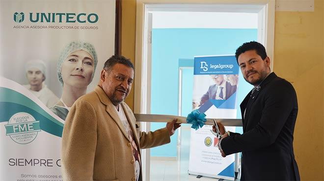 Jos� Eras, presidente de la FME, y Santiago Castro, gerente general de Uniteco en Ecuador.