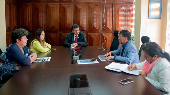 Autoridades de la UTA han analizado las propuestas planteadas en el proyecto.