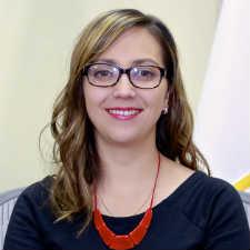Ver�nioca Espinosa, ministra de Salud