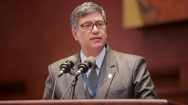 V�ctor �lvarez, presidente del Colegio de M�dicos de Pichincha.
