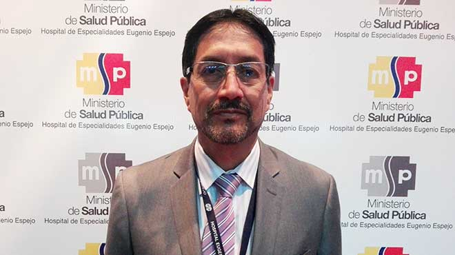 V�ctor Mena, anestesi�logo del HEEE
