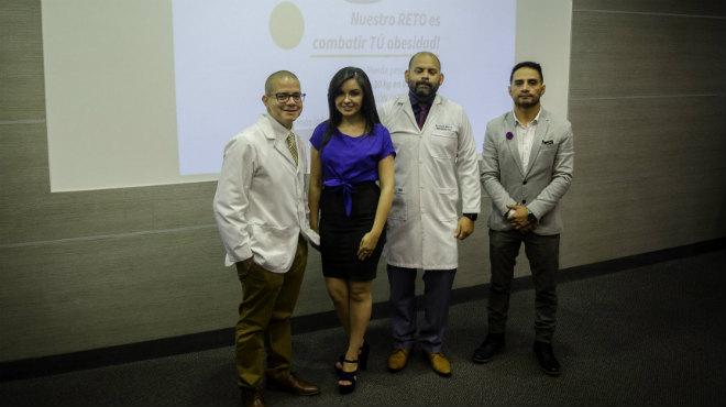 Jos� Guzm�n, gastroenter�logo endoscopista, Jimena J�come, nutricionista, Carlos Blum, deport�logo, y Eduardo Ordo�ez, psic�logo.