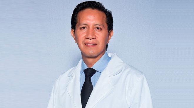 Walter Huaraca, cirujano pl�stico ecuatoriano.