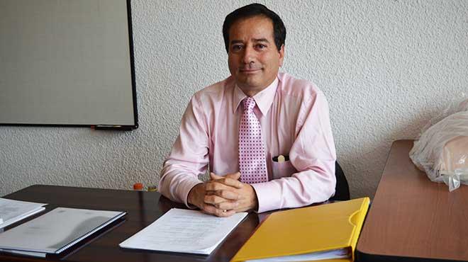Washington B�ez, presidente de la Sociedad Ecuatoriana de Medicina de Emergencias y Desastres