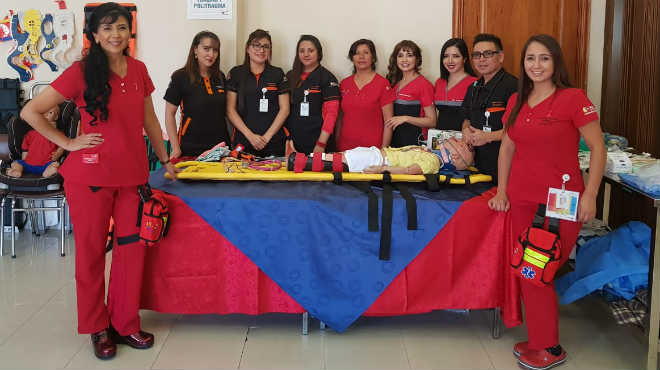 Equipo de reanimaci�n avanzada pedi�trica del Hospital Baca Ortiz.