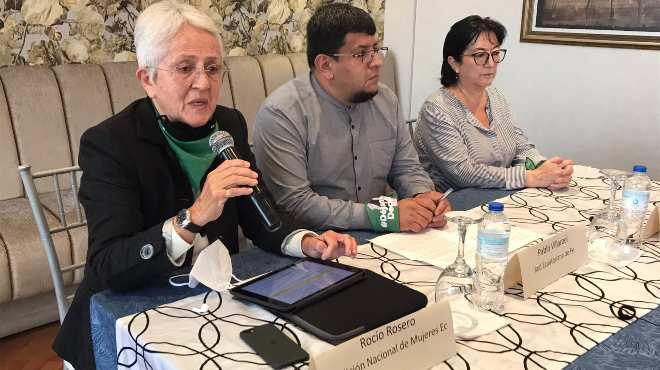 Roc�o Rosero, Pablo Villarroel y Virginia G�mez de la Torre.