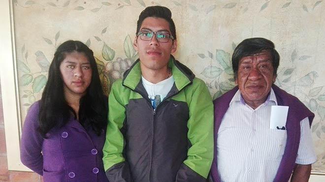 Diana Cata�a, Juan Carlos Tapia, Hern�n Chimarro, pacientes con acromegalia del HEEE.