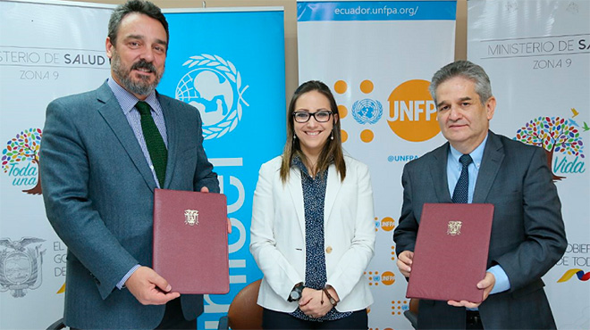 Joaqu�n Gonz�lez, representante de Unicef; Ver�nica Espinosa, ministra de Salud y Mario Vergara, representante de UNFPA.
