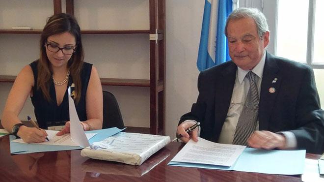 Verónica Espinosa y Jorge Lemus, ministros de Salud de Ecuador y Argentina.