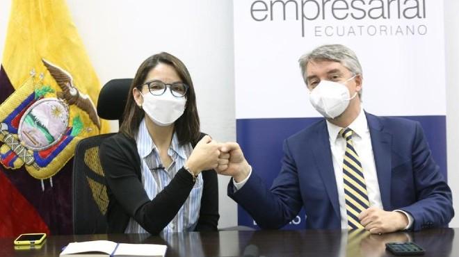 Ximena Garz�n y Felipe Ribadeneira.