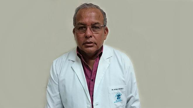 Antonio Fernández, jefe del servicio de Cardiología del HFIB.