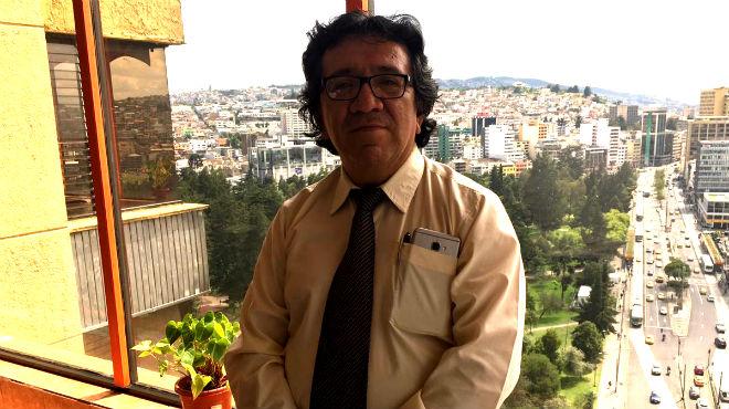 Byron Nu�ez Freile, infect�logo y docente de la UCE