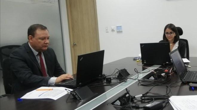 Juan Zapata, presidente del COE Nacional, y Ximena Garz�n, ministra de salud, en rueda de prensa.
