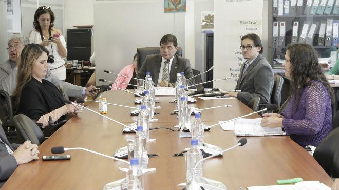 Miembros de la Comisi�n de Salud de la Asamblea.