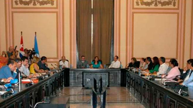 Parlatino reunido en Cuba.
