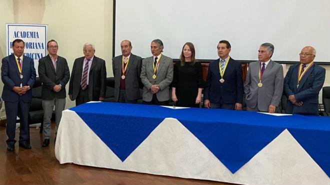 Nuevo directorio Academia Ecuatoriana de Medicina.