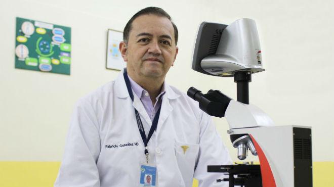 Fabricio Gonz�les, investigador de la UCE.