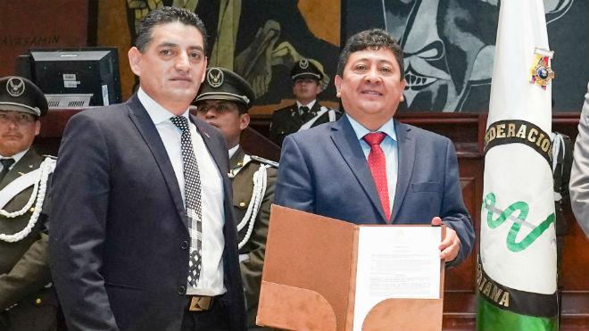 �ngel Sinmaleza e Ismael Espinoza.