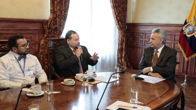 Representantes del gremio m�dico se reunieron con el Presidente de la Rep�blica.
