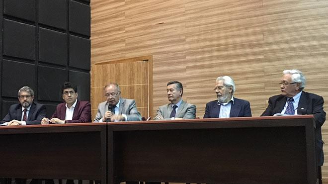 Jos� Ruales, Marcelo Aguilar, Ramiro Estrella, Fernando Semp�rtegui, Juan Yazlle y Gabriel Ord��ez.