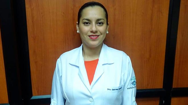 Gabriela Heredia, oftalm�loga del Hospital Luis Vernaza.