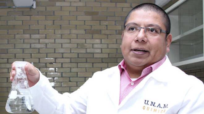 Gerardo Leyva G�mez, investigador  de la UNAM.