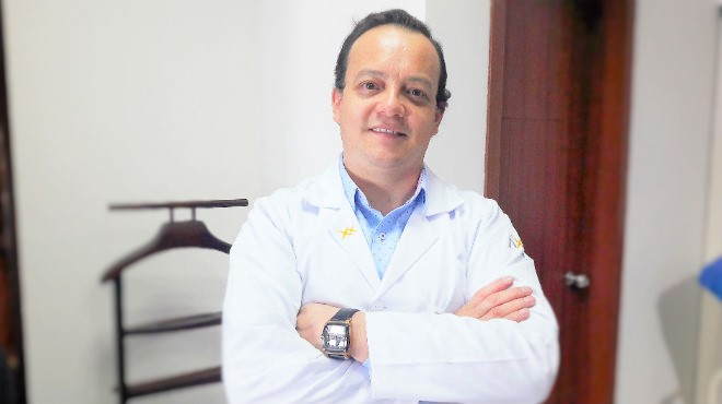 Germ�n Salazar, traumat�logo del Hospital Pablo Arturo Suarez.